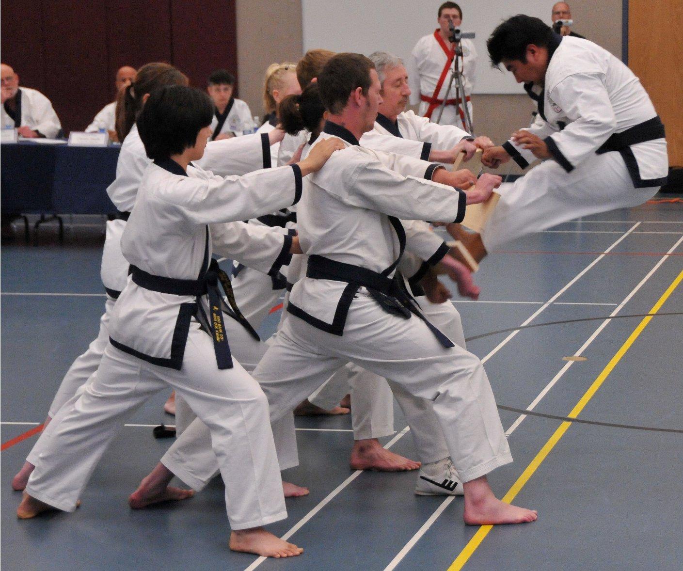 r10-dan-test-jump-kick-break